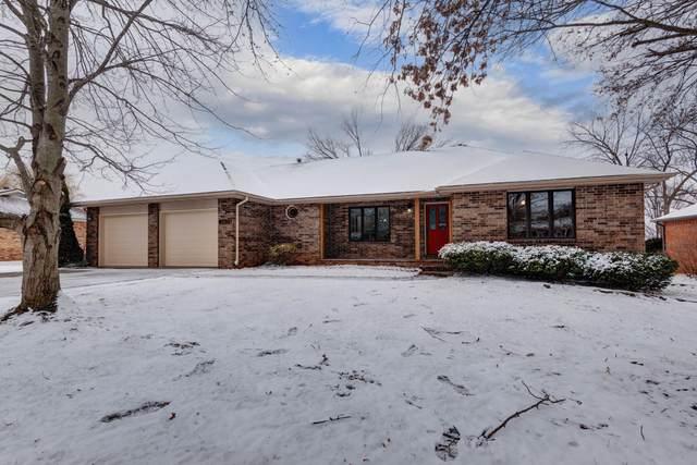 4017 S Delaware Avenue, Springfield, MO 65804 (MLS #60181647) :: Clay & Clay Real Estate Team