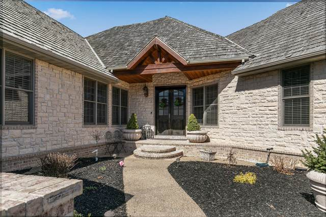 8204 Quail Ridge Court, Nixa, MO 65714 (MLS #60186251) :: Clay & Clay Real Estate Team
