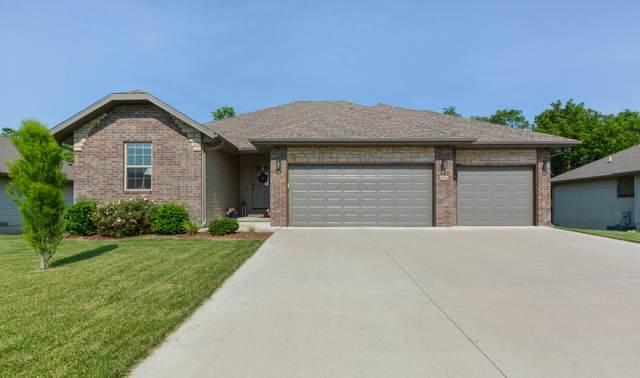 1904 S Thomas Drive, Ozark, MO 65721 (MLS #60193375) :: Sue Carter Real Estate Group