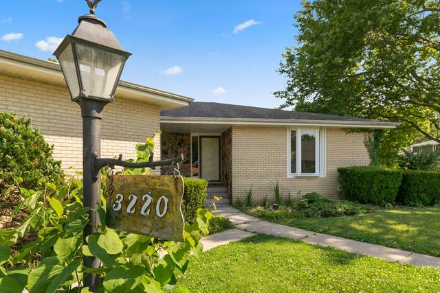 3220 E Southern Hills Boulevard, Springfield, MO 65804 (MLS #60193816) :: The Real Estate Riders