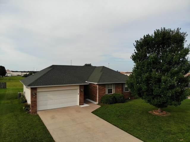 1103 Woodland, Monett, MO 65708 (MLS #60195827) :: Clay & Clay Real Estate Team