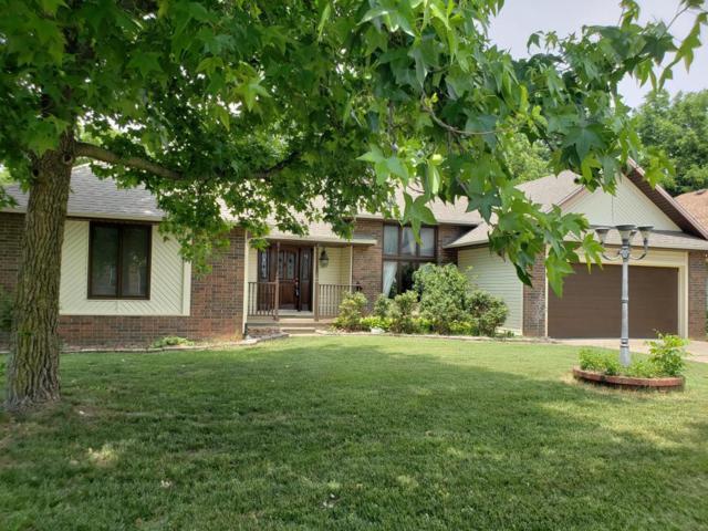3879 N Broadway Avenue, Springfield, MO 65803 (MLS #60093933) :: Good Life Realty of Missouri