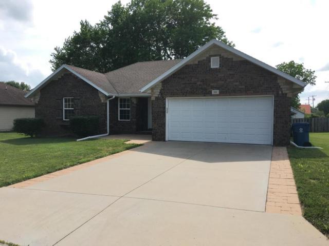 311 Park Circle, Sparta, MO 65753 (MLS #60105502) :: Team Real Estate - Springfield