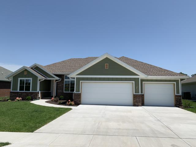 714 N Foxhill Circle, Nixa, MO 65714 (MLS #60127597) :: Sue Carter Real Estate Group