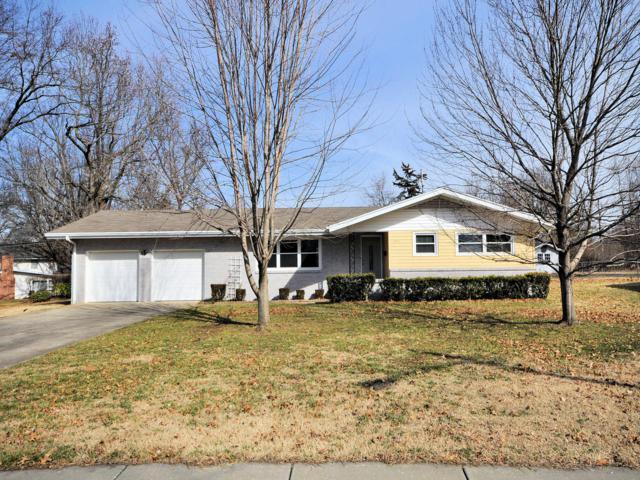 3171 E Shalimar Drive, Springfield, MO 65804 (MLS #60129376) :: Team Real Estate - Springfield