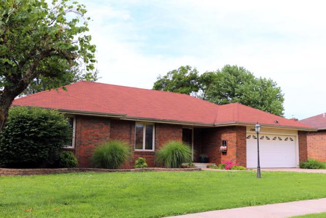 1329 E Stoneridge Street, Springfield, MO 65803 (MLS #60140634) :: Team Real Estate - Springfield