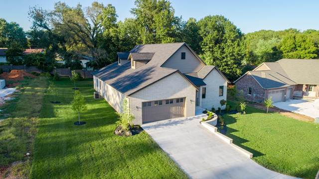 3417 S All Saints Lane, Springfield, MO 65804 (MLS #60148365) :: The Real Estate Riders