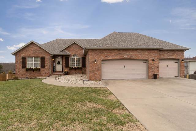 1911 N 9th Avenue, Ozark, MO 65721 (MLS #60154084) :: Sue Carter Real Estate Group