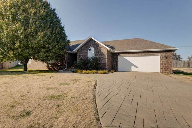 3279 W Kingsley Street, Springfield, MO 65807 (MLS #60150719) :: Sue Carter Real Estate Group