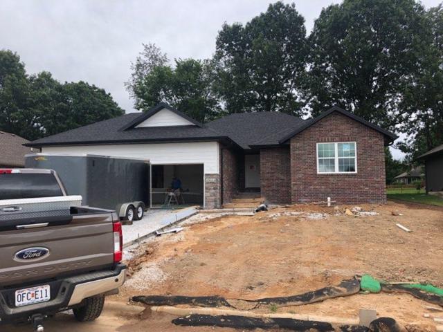1014 W Briarwood Lane, Nixa, MO 65714 (MLS #60135860) :: Sue Carter Real Estate Group