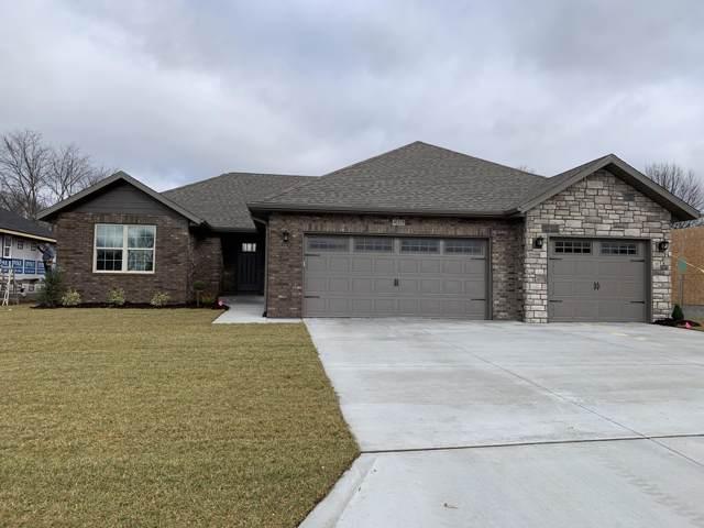 425 N Maplecrest Drive, Nixa, MO 65714 (MLS #60147677) :: The Real Estate Riders