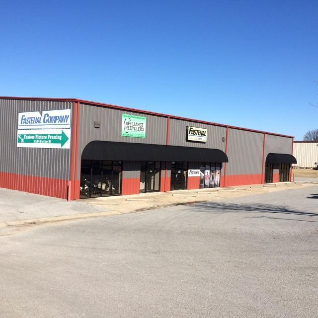 123-125 Industrial Park Drive - Photo 1