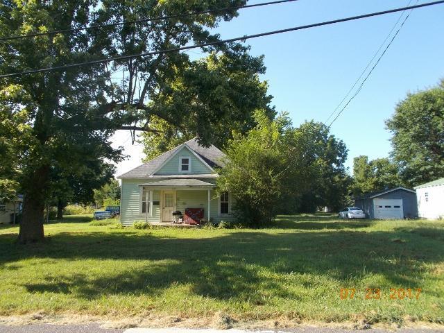 445 W Cale Street, Monett, MO 65708 (MLS #60085044) :: Select Homes