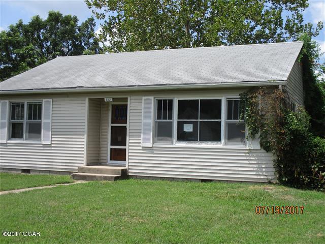 122 Mcconnell, Joplin, MO 64801 (MLS #60085233) :: Select Homes