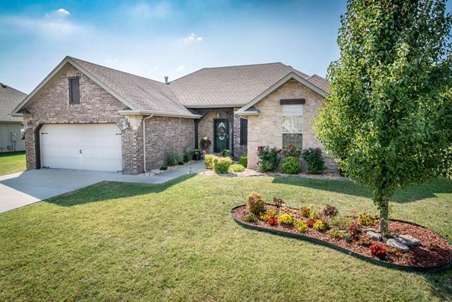 6109 N 19th Avenue, Ozark, MO 65721 (MLS #60090679) :: Select Homes