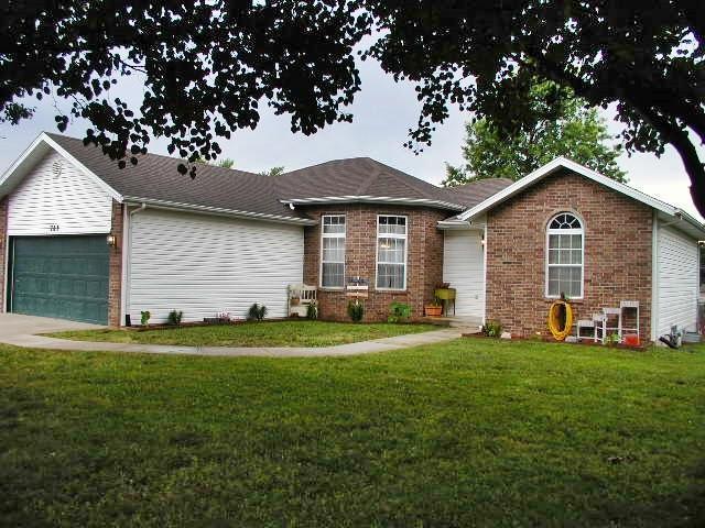 709 Daniel Lane, Willard, MO 65781 (MLS #60113588) :: Team Real Estate - Springfield