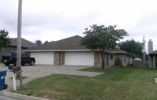 913-915 N Main Street, Nixa, MO 65714 (MLS #60114012) :: Team Real Estate - Springfield