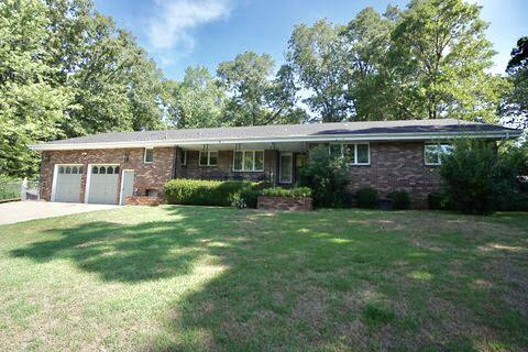 1005 Hickory Street, Cassville, MO 65625 (MLS #60114649) :: Good Life Realty of Missouri