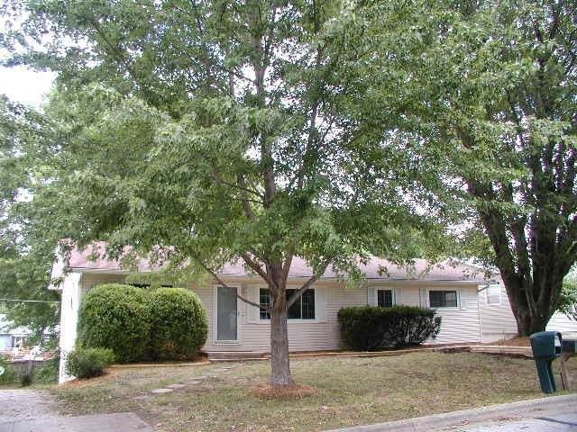 925 E Hill Street, Springfield, MO 65803 (MLS #60117567) :: Good Life Realty of Missouri