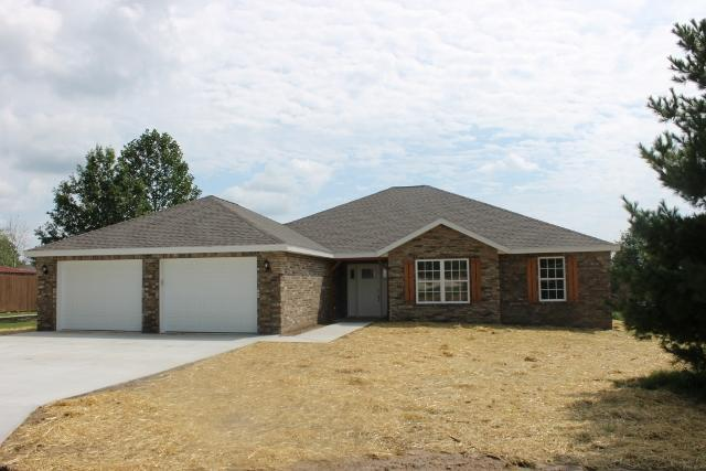 302 E 26th Street, Mountain Grove, MO 65711 (MLS #60118433) :: Good Life Realty of Missouri