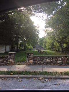 2047 N Pickwick Avenue, Springfield, MO 65803 (MLS #60118622) :: Sue Carter Real Estate Group