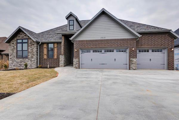 3856 E Knollwood Drive, Ozark, MO 65721 (MLS #60119507) :: Team Real Estate - Springfield