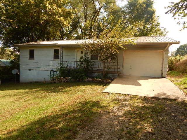 702 E Washington Avenue, Ava, MO 65608 (MLS #60120521) :: Team Real Estate - Springfield