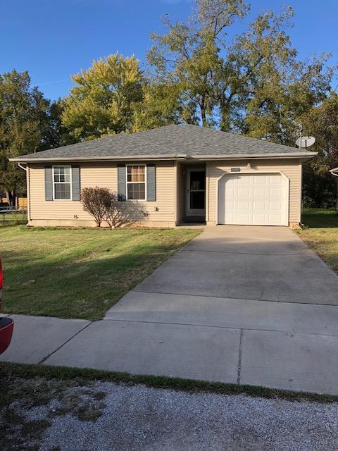 3215 W Lynn Street, Springfield, MO 65802 (MLS #60122039) :: Good Life Realty of Missouri