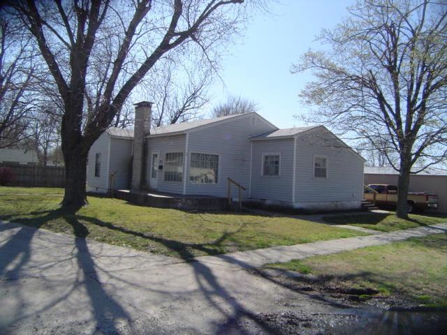 12 W Church Street, Aurora, MO 65605 (MLS #60122143) :: Team Real Estate - Springfield