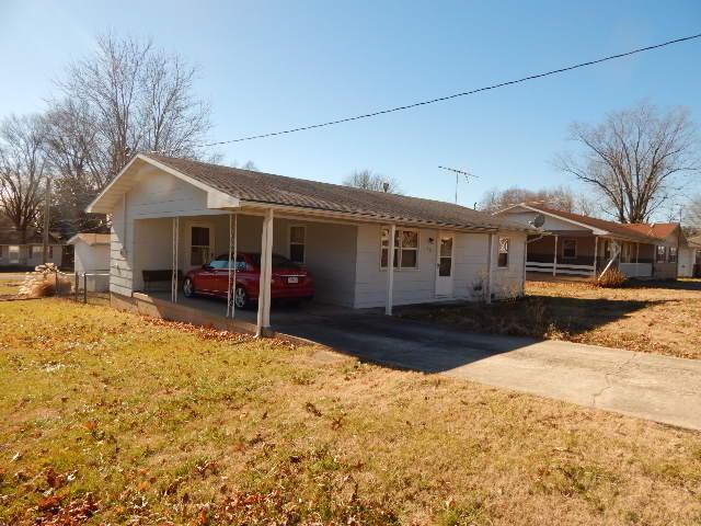 401 Bacorn Avenue NE, Ava, MO 65608 (MLS #60126793) :: Weichert, REALTORS - Good Life
