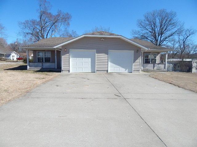 104 & 106 High Street, Ava, MO 65608 (MLS #60130641) :: Team Real Estate - Springfield
