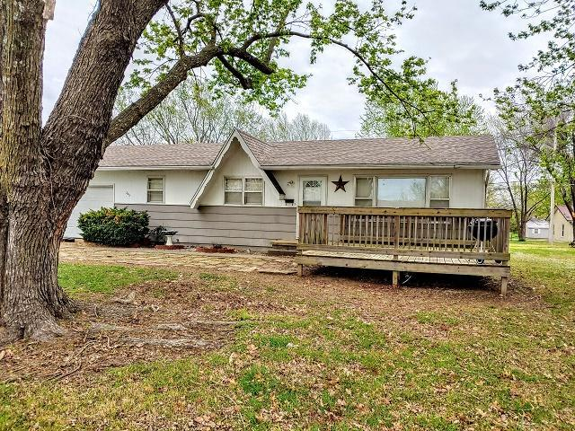 205 S Belisle, El Dorado Springs, MO 64744 (MLS #60133930) :: Team Real Estate - Springfield