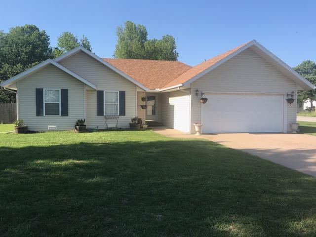203 Country Lane, Mt Vernon, MO 65712 (MLS #60137294) :: Weichert, REALTORS - Good Life