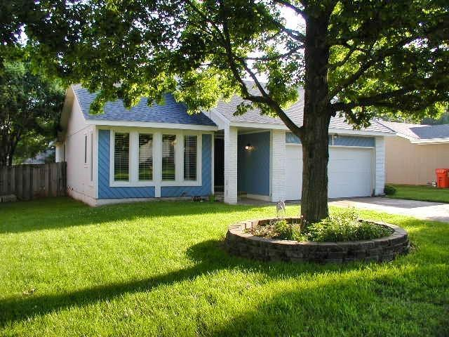 1635 W Winchester Street, Springfield, MO 65807 (MLS #60137753) :: Team Real Estate - Springfield