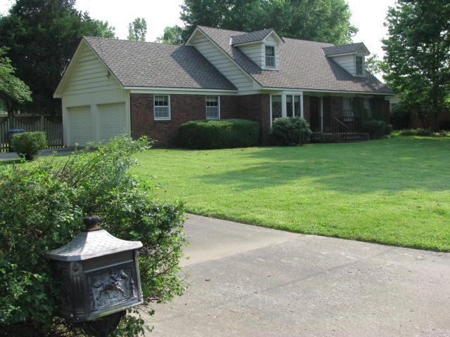 915 S Rosewood Drive, Monett, MO 65708 (MLS #60139242) :: Team Real Estate - Springfield