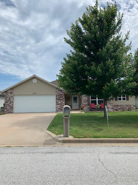 1815 N Meadows Drive, Neosho, MO 64850 (MLS #60139507) :: Sue Carter Real Estate Group