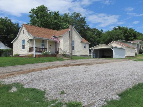 1304 N Howell Avenue, West Plains, MO 65775 (MLS #60139967) :: Weichert, REALTORS - Good Life