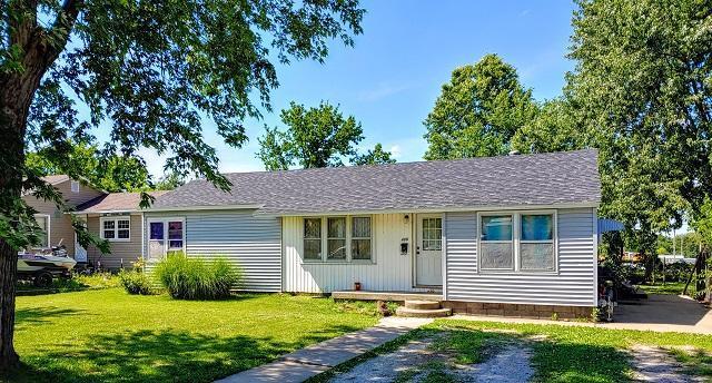 409 E Twyman, El Dorado Springs, MO 64744 (MLS #60140532) :: Sue Carter Real Estate Group