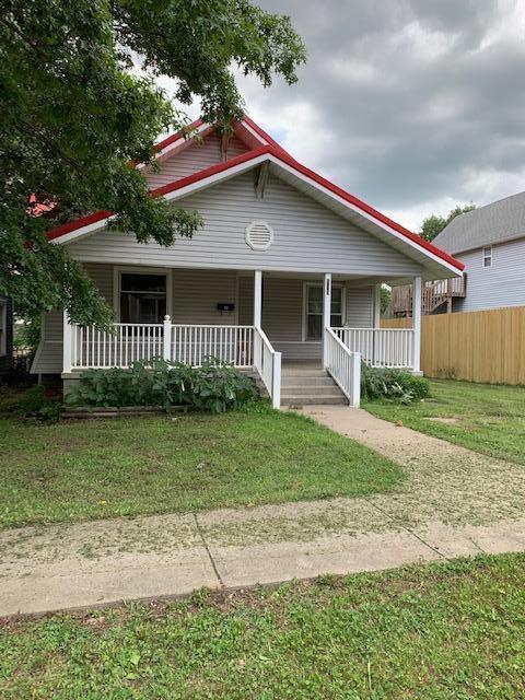 113 W Hickory Street, El Dorado Springs, MO 64744 (MLS #60141251) :: Sue Carter Real Estate Group