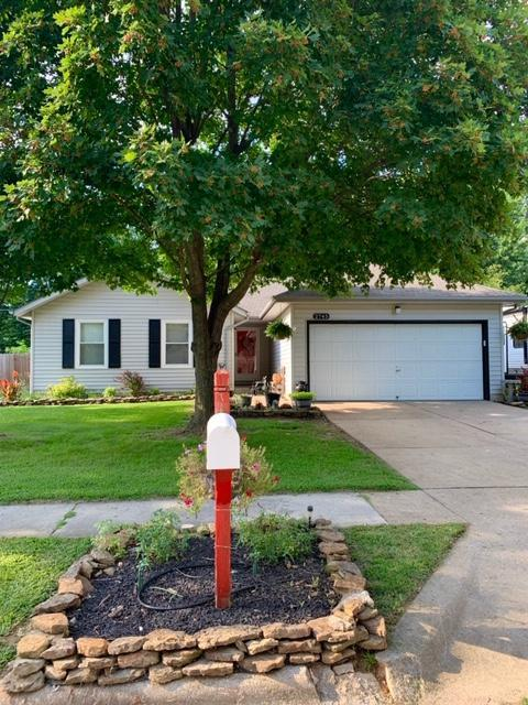 2745 W Cherokee Street, Springfield, MO 65807 (MLS #60141925) :: Sue Carter Real Estate Group