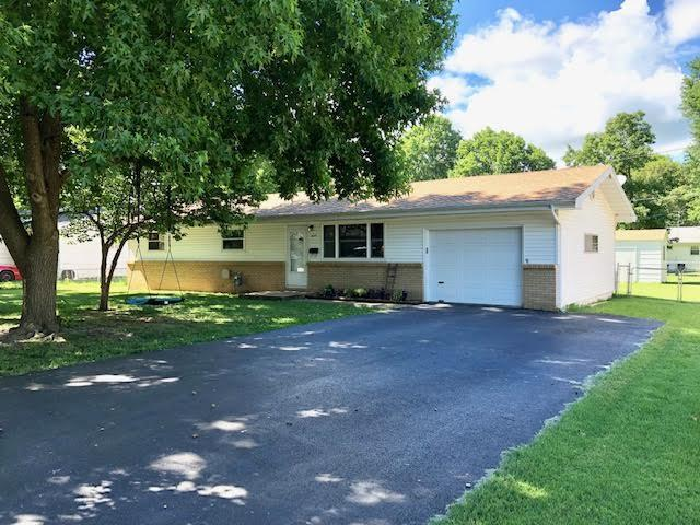 425 W Harrison Street, Republic, MO 65738 (MLS #60142015) :: Sue Carter Real Estate Group