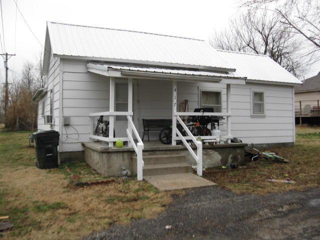 417 Windsor Avenue, Aurora, MO 65605 (MLS #60142359) :: Team Real Estate - Springfield