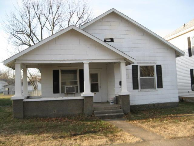 214 W Pleasant Street, Aurora, MO 65605 (MLS #60142389) :: Team Real Estate - Springfield