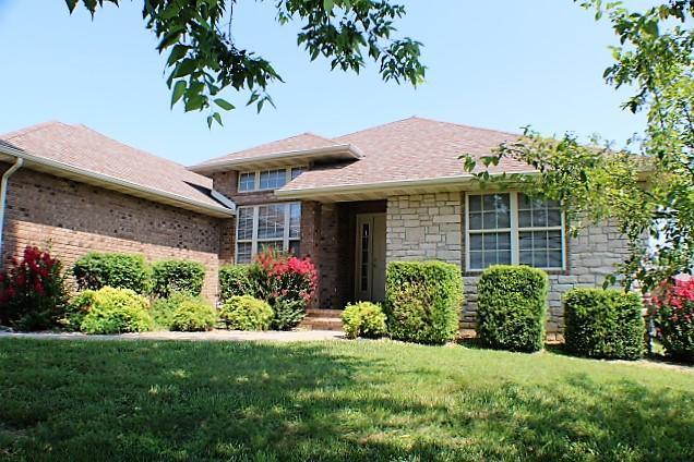 3863 W Village Terrace, Springfield, MO 65810 (MLS #60142431) :: Sue Carter Real Estate Group