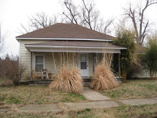 702 & 706 S Jefferson Avenue, Aurora, MO 65605 (MLS #60142536) :: Sue Carter Real Estate Group