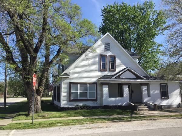 3 E Delta Street, Aurora, MO 65605 (MLS #60142561) :: Team Real Estate - Springfield