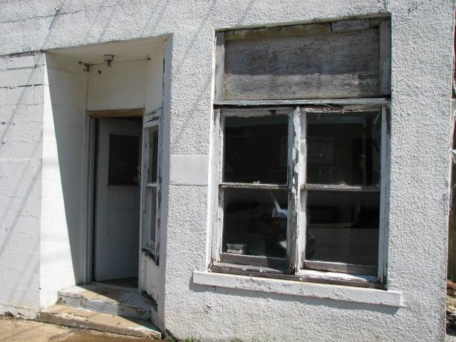 113 E Main Street, Buffalo, MO 65622 (MLS #60142690) :: Team Real Estate - Springfield