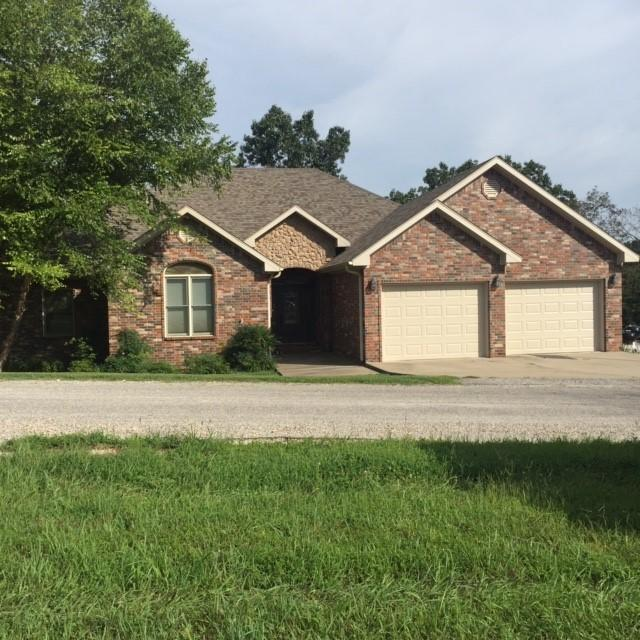 251 Oakridge Drive, Pineville, MO 64856 (MLS #60144668) :: Massengale Group