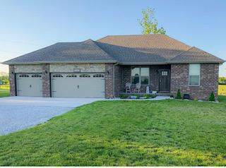 5703 W Veterans Boulevard, Clever, MO 65631 (MLS #60148397) :: Massengale Group