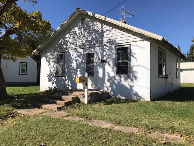 619 E Washington Street, Marshfield, MO 65706 (MLS #60149170) :: Sue Carter Real Estate Group